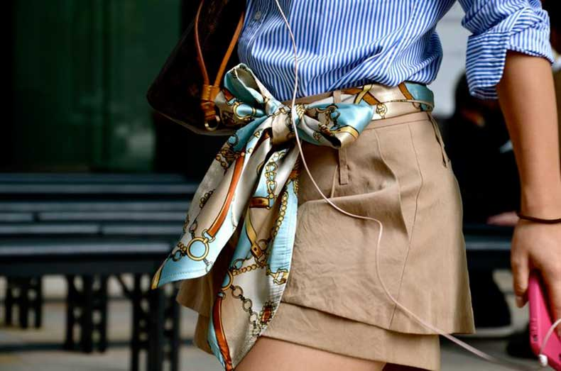 Fular de seda como cinturón
