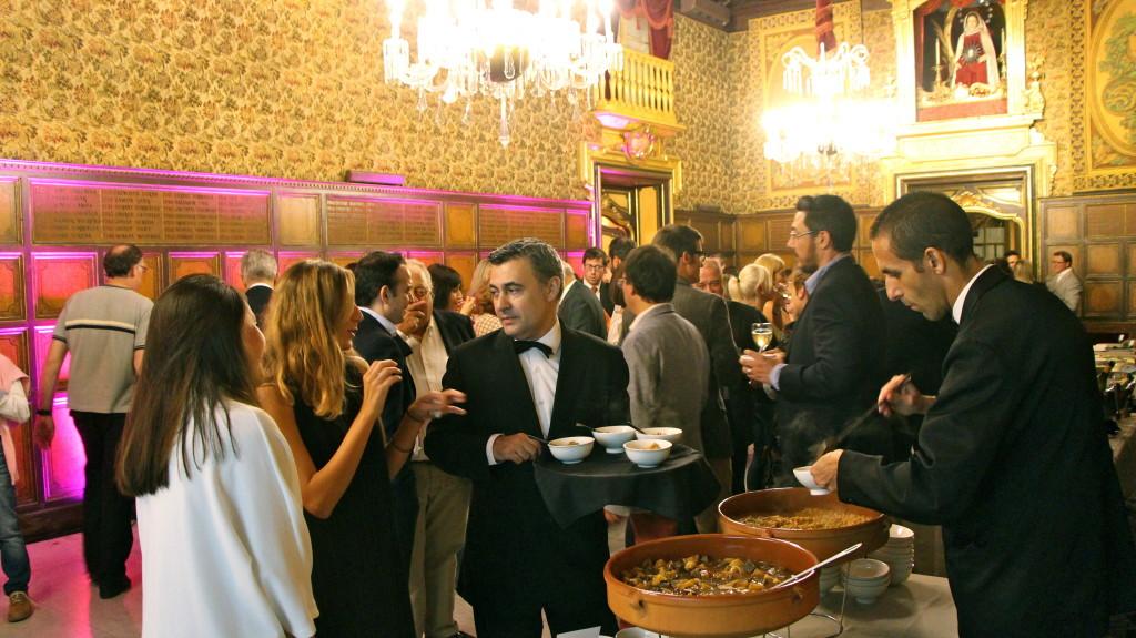 De cóctel o banquete en la Casa de la Seda ofrecemos montajes muy diferentes. (Fotografia: Catering Airolo)